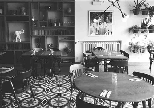 DEUX cave à manger Restaurant - Picture