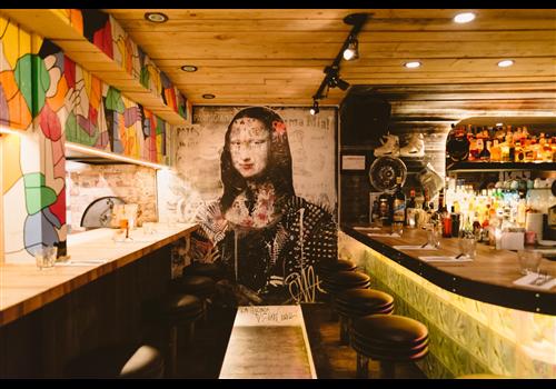 Fugazzi Pizza Restaurant - Picture