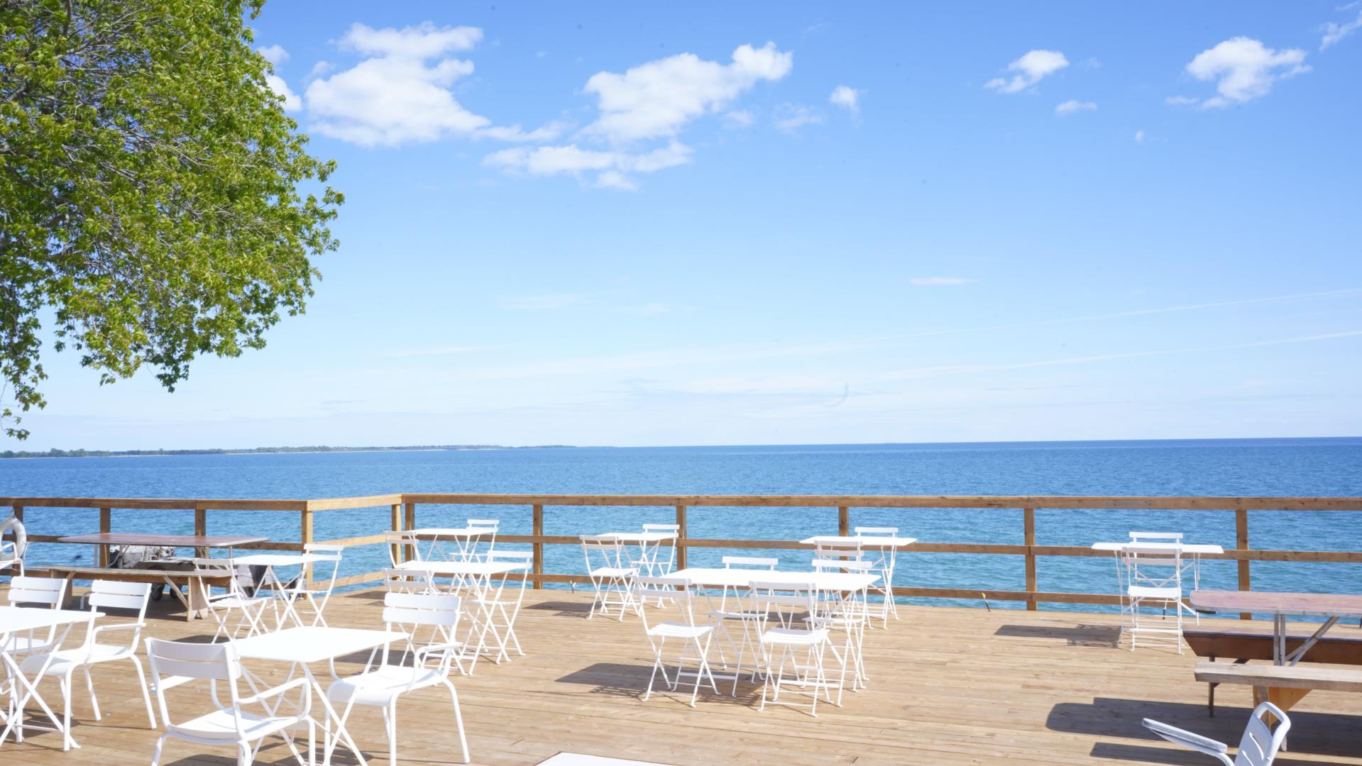 Lakeside Restaurant - Picture