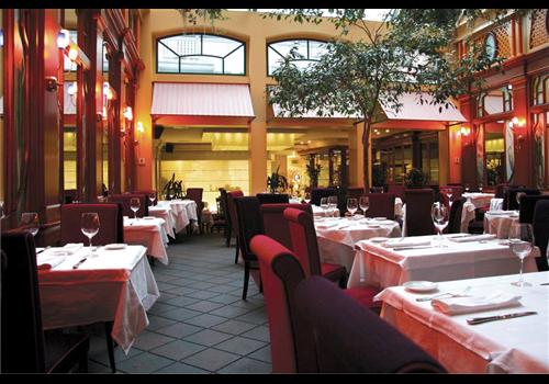 Le Saint-Amour Restaurant - Picture