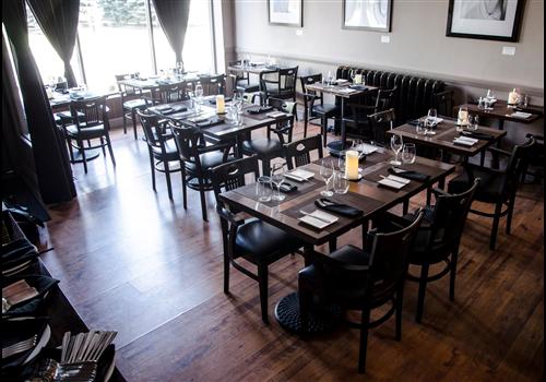 Les coudes sur la table Restaurant - Picture