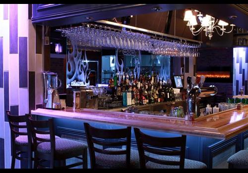 Le Distrikt Saloon et Grill Restaurant - Picture