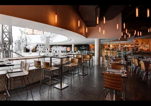 Place Deschamps Restaurant - Picture