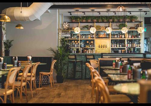 Restaurant HÀ - Vieux-Montréal Restaurant - Picture