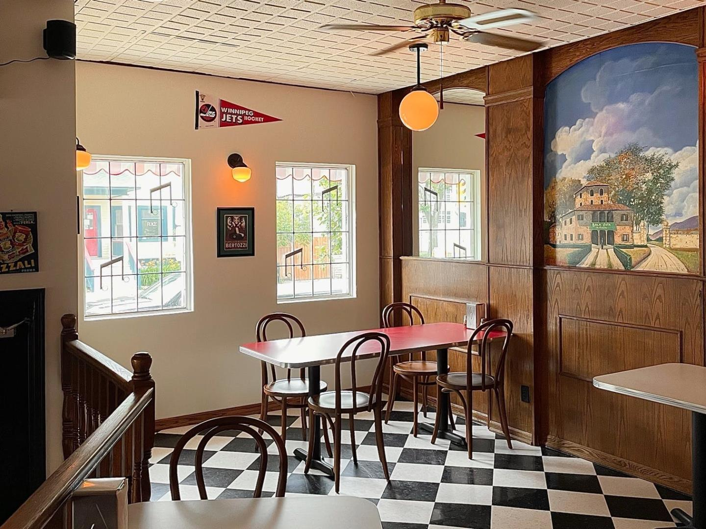 Shorty's Pizza Restaurant - Picture