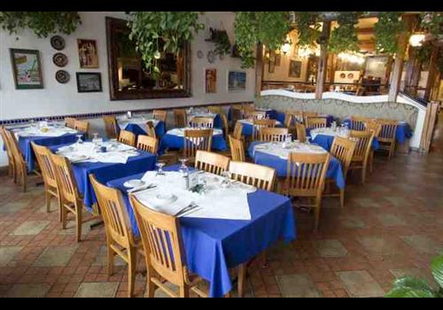 Yianni's Taverna (Edmonton) Restaurant - Picture